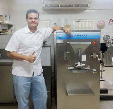 Mr Oscar Lopresti and his MEHEN machines in kitchen.